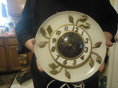 Vintage 1950's United Electric White Round Wall Clock Model  55 works great