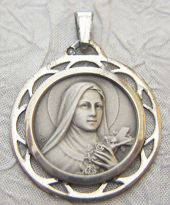 Vintage Catholic Religious Holy Medal - Saint Teresa of The Child Jesus - LOVELY