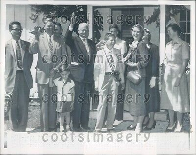 1954 President Herbert Hoover & Family in West Branch Iowa Press Photo