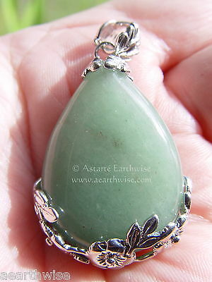 GREEN AVENTURINE FLOWERS PENDANT Wicca Witch Goth Pagan Reiki HEALING CRYSTAL