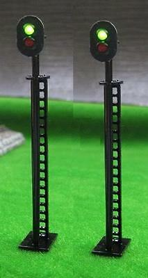 Pack of 2 Green / Red Colour Light Signals 12 volt OO Gauge