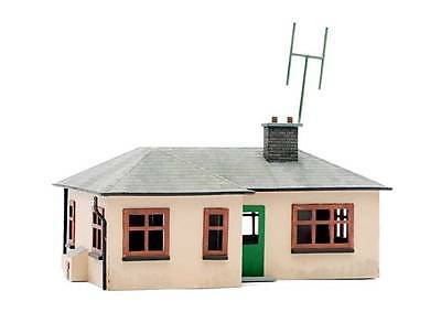 Dapol C021 Detached Bungalow Kit OO Gauge