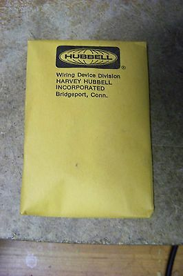 NEW Hubbell SS-309-SF Aluminum, FRPT Pedestal Furniture Feed Plate 3/4""