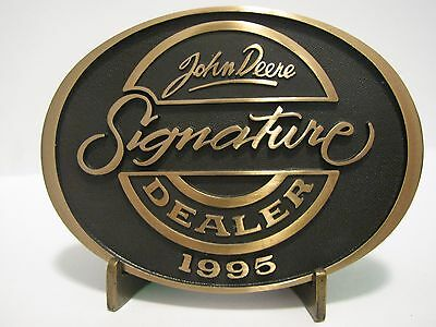 * John Deere 1995 SIGNATURE DEALER AWARD Belt Buckle Employee Only