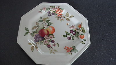 C4 Pottery Johnson Brothers Fresh Fruit Plate 26cm 3A4A