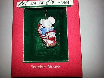 "Hallmark Miniature 1988   ""SNEAKER MOUSE""   --Free Shipping--"