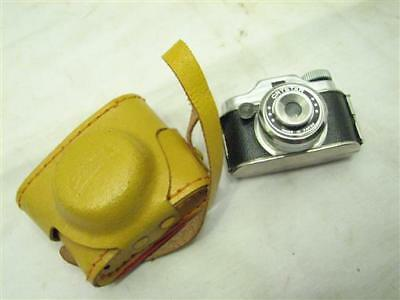 Vintage Crystar Mini Spy Camera Made in Japan w/Yellow Leather Case Miniature
