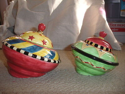 Vandor China Toys In The Cupboard 2 Pc Retro Spinning Top Canister Set 1997 EUC