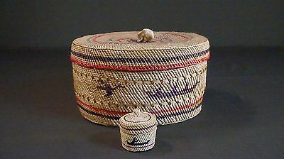 Very Fine Tight Weaved Native American Makah Nootka Lidded Knob Basket Pre.1950