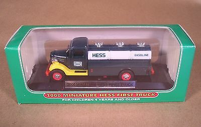 2000 MINIATURE FIRST HESS TRUCK Mint Condition New In Box NRFB MIB NIB