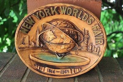 New York World's Fair Plaque Wall Hanging  1964-1965  Ceramic Oval