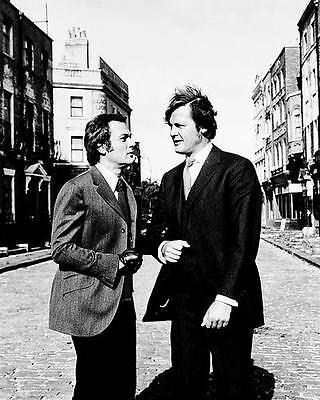 Roger Moore, Tony Curtis The Persuaders! 8x10 Photo in London street