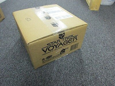 Star Trek Voyager Heroes & Villains Factory Sealed 12 Box Hobby CASE w/ Sketch
