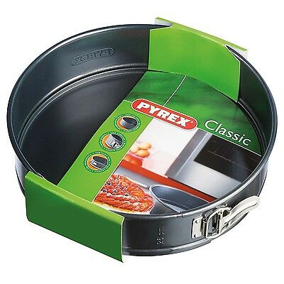 Pyrex Classic 26Cm Metal Non-Stick Removeable Round Springform Baking Pan Tray