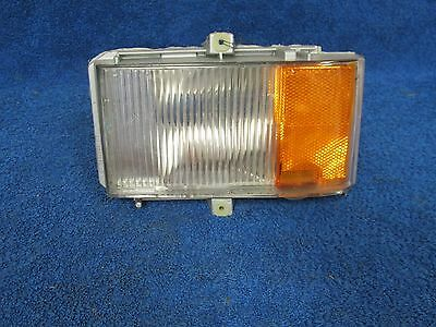1985-86 Cadillac  Rh Cornering Marker Light   Nos Gm   715