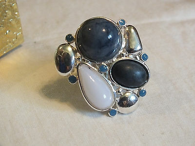 Beautiful SilverTone Cocktail Ring Stretch Cabochons Rhinestones Blues NICE