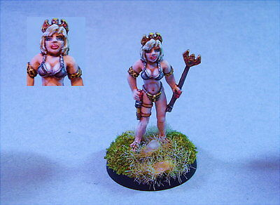 Reaper  painted miniature scantly clad Female Sorceress