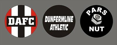 NEUF Dunfermline Athletic Le Pars FC Football Club Équipe Badges / Broches x 3