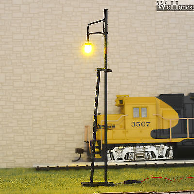 4 pcs HO / OO scale warm white LED made Yard Lights Lampposts #R42-11