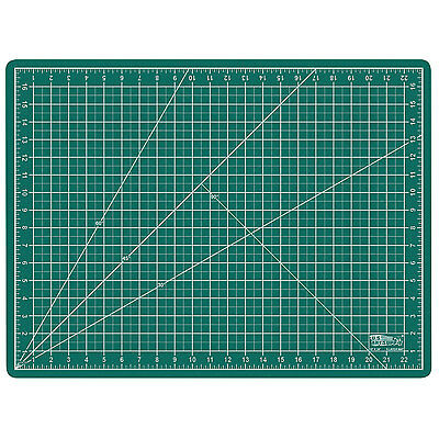 "18"" x 24"" GREEN/BLACK Self Healing 5-Ply Double Sided Durable PVC Cutting Mat"