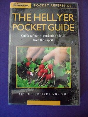 The Hellyer Pocket Guide:Quick-Reference Gardening Advice From The Expert