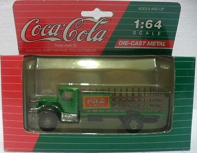 Coca-Cola - CAMION VINTAGE COLLECTABLES - sc. 1/64