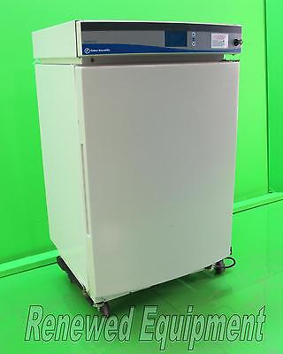 Fisher Scientific FFCO300TABB Isotemp Water Jacketed CO2 Incubator
