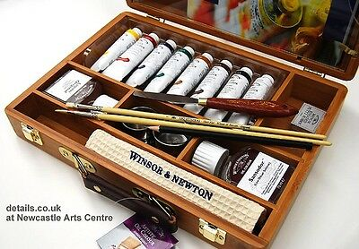 Winsor & Newton Oil painting gift box complete with paints & brushes RRP £87