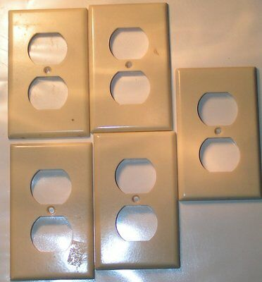 6 vintage Leviton Cream Bakelite Outlet Covers plates EUC no Cracks sku27