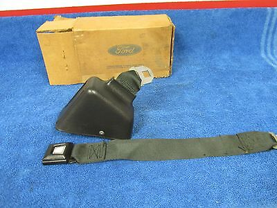 1974-79 ? Ford Truck  Rh  Black Seatbelt With Retractor   Nos Ford 1015