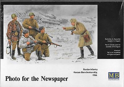 """1/35 Master Box 3529 - Photo In The Newspaper"""" - Russian Infantry 5 Figure Kit"""