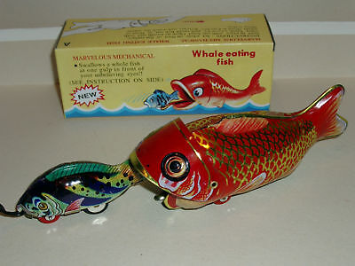 "1x RED CHINA TOY WHALE EATING SMALL TIN FISH 9.5"" WIND-UP TOY MINT/BOXED"