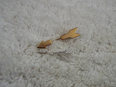 2 Arrow Pins (A52)