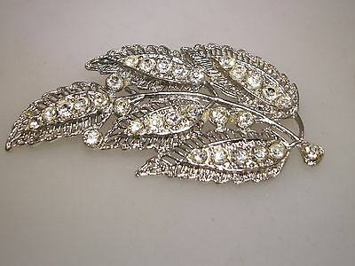 Beautiful Vintage 1940's Silver Filigree Sparkling Foiled Rhinestone Leaves Pin!