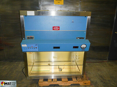 NuAire Powered UV Biosafety Cabinet NU-425-400 Medical Vent Hood