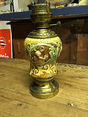 Ancienne lampe a petrole en barbotine onnaing? nimy? orchies ?