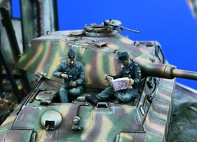 VERLINDEN PRODUCTIONS #0984 WWII German Tankers at Rest in 1:35