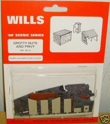 Wills SS19. Grotty Huts and Privy Kit. NEW (00 Gauge)
