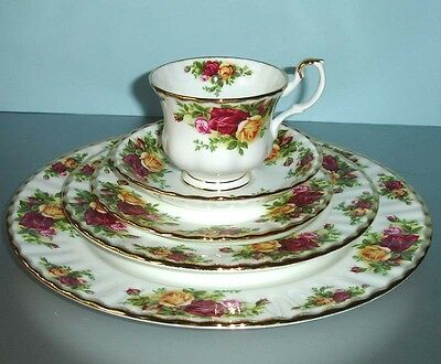 Royal Albert OLD COUNTRY ROSES 5 Piece Place Setting Bone China New