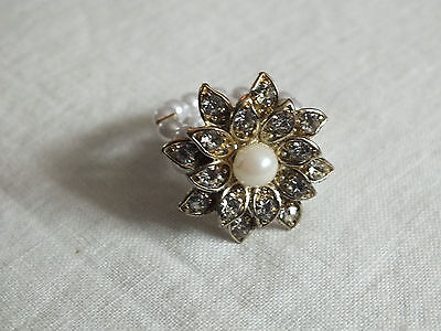Beautiful Gold Tone Cocktail Ring Stretch Faux Pearls Rhinestones NICE