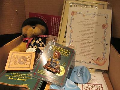 Friends of Boyd 2000 Collection Membership Kit Inc Resin Figure Pin Bear