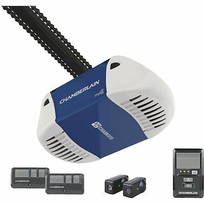 Chamberlain 3/4-HP Chain Drive Garage Door Opener Kit MYQ Technology Compatible