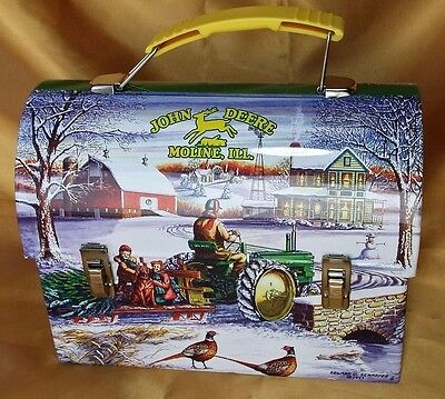 JOHN DEERE Lunch Box Collector Tin Winter Workmans Carryall 2005 NWT w/ sticker