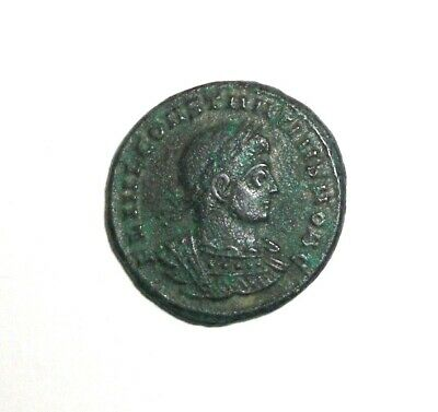 Ancient Roman Empire, Constantius II. AE3. 337-361 AD. Two Soldiers & Standards