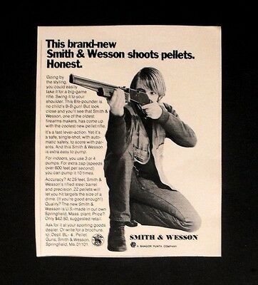 1971 Smith & Wesson B-B~Pellet Gun Boys Kids Toy Vintage Promo Trade Print Ad