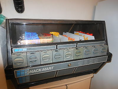 Snack-Mart Candy Chips Snacks Vending Machine Winnebago Illinois WORKS makes $$