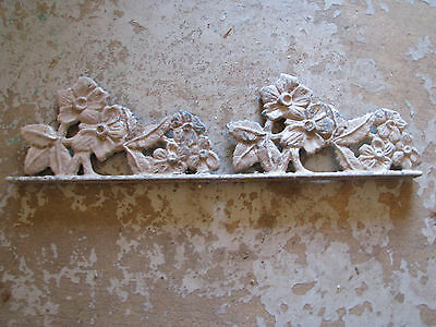 ARCHITECTURAL SALVAGE Cast Metal FENCE TOPPER Vtg/Antique CHIPPY Rustic FLORAL