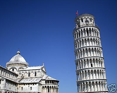 The Leaning Tower of Pisa / Italy 8 x 10 / 8x10 GLOSSY Photo Picture