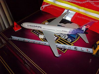 "14"" Long Hawaiian Boeing 767-300Er Desktop Airport Collectible Model Excellent"
