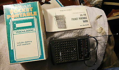Realistic FM-AM transistor pocket portable radio radio shack vintage,manual,box